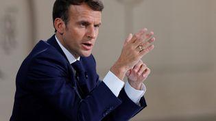 Emmanuel Macron, le 10 juin 2021 à l'Elysée, à Paris. (PASCAL ROSSIGNOL / AFP)