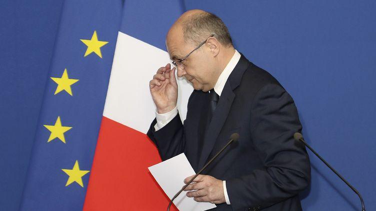 Le ministre de l'Intérieur présente sa démission lors d'un déplacement à Bobigny (Seine-Saint-Denis), le 21 mars 2017. (JACQUES DEMARTHON / AFP)