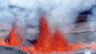 L'éruption du Piton de la Fournaise, le 11 septembre 2016 à La Réunion. (RICHARD BOUHET / AFP)