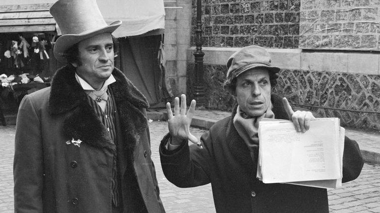 """Jacques Nahum dirige Georges Descrières dans """"Double assassinat dans la rue Morgue"""" (1971)  (Dominique Gonot / Ina)"""