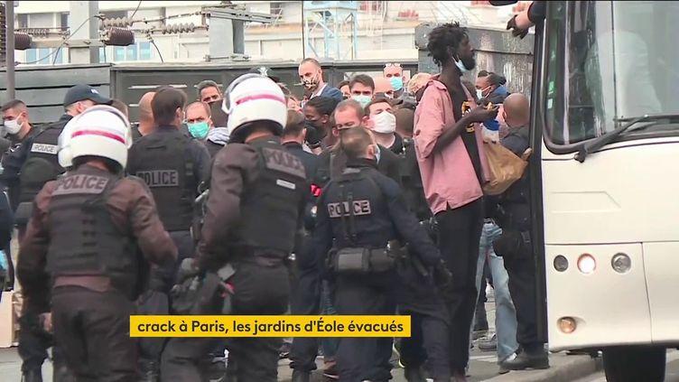 Des toxicomanes évacués de Paris (FRANCEINFO)