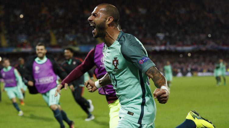 L'attaquant portugais Ricardo Quaresma exulte après son but décisif contre la Croatie, en huitièmes de finale de l'Euro, le 25 juin 2016 à Lens. (REUTERS)