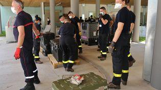 Du personnel de la sécurité civile en renfort àMayotte (ALI AL-DAHER / AFP)