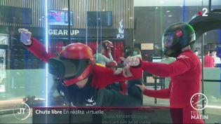 Une chute libre en réalité virtuelle. (France 2)
