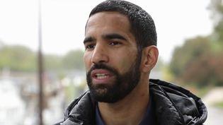 """""""Il n'est pas possible de faire son coming-out dans le football en France"""" : Ouissem Belgacem témoigne (FRANCEINFO)"""
