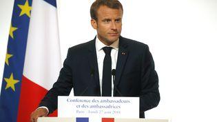 Le président de la République, Emmanuel Macron, le 27 août 2018, lors de la Conférence des ambassadeurs. (PHILIPPE WOJAZER / POOL / AFP)