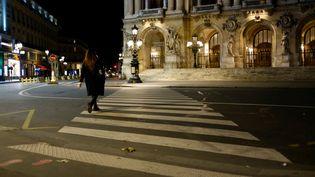 Une rue de Paris pendant le couvre-feu, le 24 octobre 2020. (NATHANAEL CHARBONNIER / ESP - RÉDACTION INTERNATIONALE)