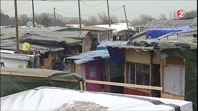 """Evacuation de la """"jungle"""" de Calais : """"Cette opération se fera dans le respect des personnes, bien entendu"""" dit Cazeneuve"""
