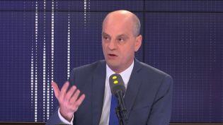 """Jean-Michel Blanquer,ministre de l'Éducation nationale et de la Jeunesse, invité du """"8h30 Fauvelle-Dély"""", mardi 25 juin 2019. (FRANCEINFO / RADIOFRANCE)"""