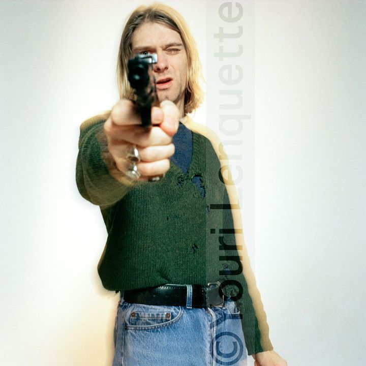 KURT COBAIN - The Last Shooting, Kurt Cobain with gun 1, février 1994  (Youri Lenquette )