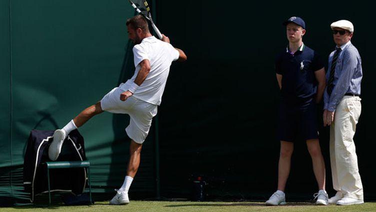 Benoit Paire passe ses nerfs sur la chaise d'un arbitre à Wimbledon
