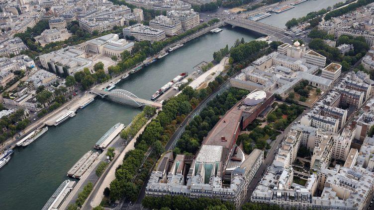 Les quais de Seine à Paris, le 15 juillet 2020. (THOMAS SAMSON / AFP)