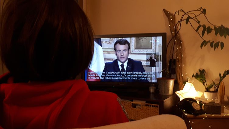 Emmanuel Macron lors d'une allocution en mars 2020. (STÉPHANIE BERLU / FRANCE-INFO)