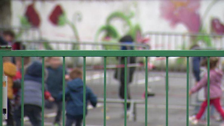 La cour de récréation de l'école primaire de Chassors (Charente) lundi 5 octobre 2020. (FRANCE TELEVISIONS)