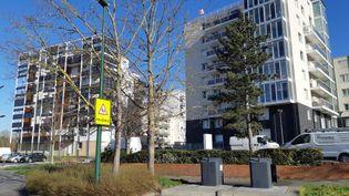 """Le quartier de Croix-Rouge à Reims (Marne), où Christian Lantenois, photojournaliste au quotidien """"L'Union"""", a été agressé samedi 27 février 2021. (RÉMI BRANCATO / FRANCE-INTER)"""