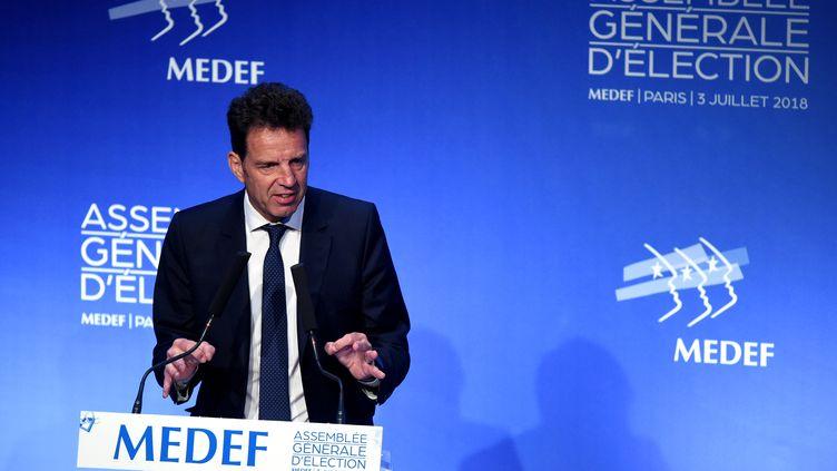 Geoffroy Roux de Bézieux, lors de l'assemblée générale du Medef, à Paris, le 3 juillet 2018. (ERIC PIERMONT / AFP)