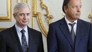 Claude Bartolone, président PS de l'Assemblée nationale, et Jean-Pierre Bel, président PS du Sénat, le 14 mars 2013 à l'Elysée, àParis. (PATRICK KOVARIK / AFP)