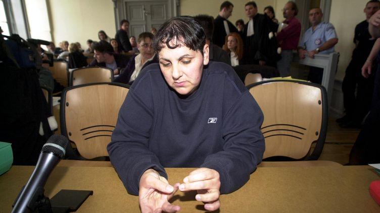 Myriam Badaoui lors du procès en première instance de l'affaire Outreau, àSaint-Omer (Pas-de-Calais), le 22 juin 2004. (  MAXPPP)