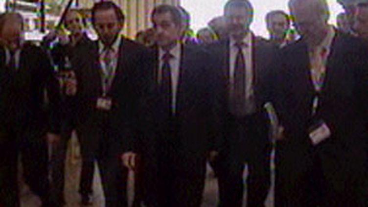 Le chef de l'Etat, mardi 1er décembre, en visite à la Seine-sur-Mer, dans le Var. (F2)