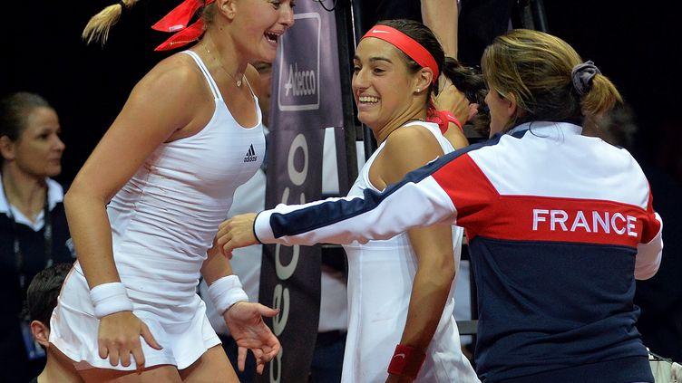 La joie du camp français après sa qualification en finale de la Fed Cup (JEAN-FRANCOIS MONIER / AFP)