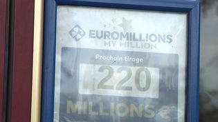 Euromillions : un Français remporte le jackpot de 220 millions d'euros (FRANCE 3)