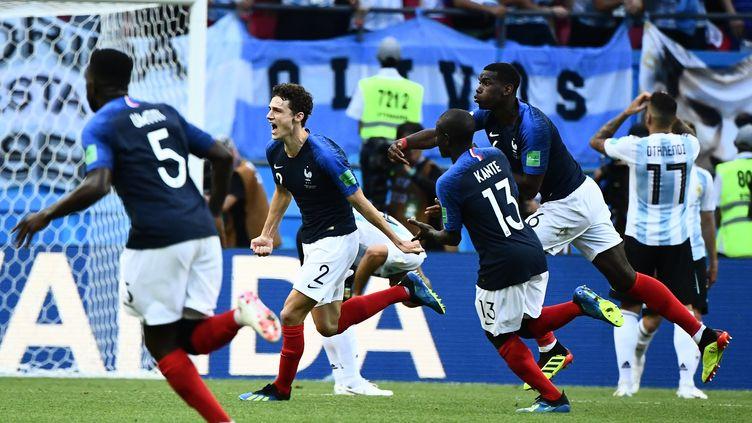Benjamin Pavard, le défenseur français buteur contre l'Argentine, le 30 juin 2018 à Kazan (Russie), en huitièmes de finale de la Coupe du monde. (JEWEL SAMAD / AFP)