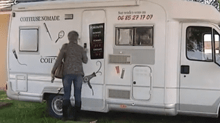camping car coiffeuse  (FRANCE 3)