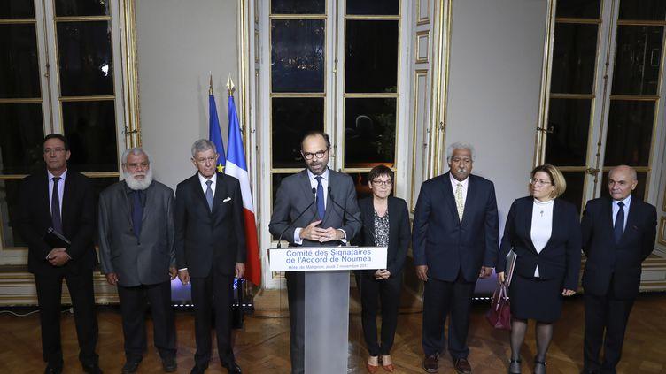 Edouard Philippe annonce un accord sur les principaux points de l'organisation du référendum de 2018 sur l'indépendance de la Nouvelle-Calédonie, à Matignon (Paris), le 2 novembre 2017. (JACQUES DEMARTHON / AFP)