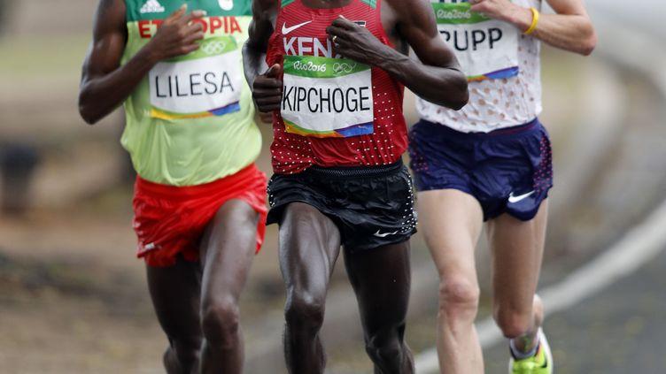 Eliud Kipchoge, champion olympique du marathon (ADRIAN DENNIS / AFP)