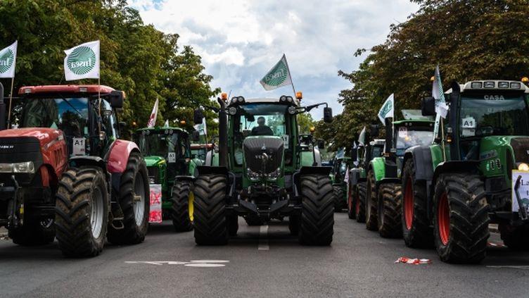 Manifestation d'agriculteurs à Paris, le 3 septembre 2015. (CITIZENSIDE / SAMUEL BOIVIN )