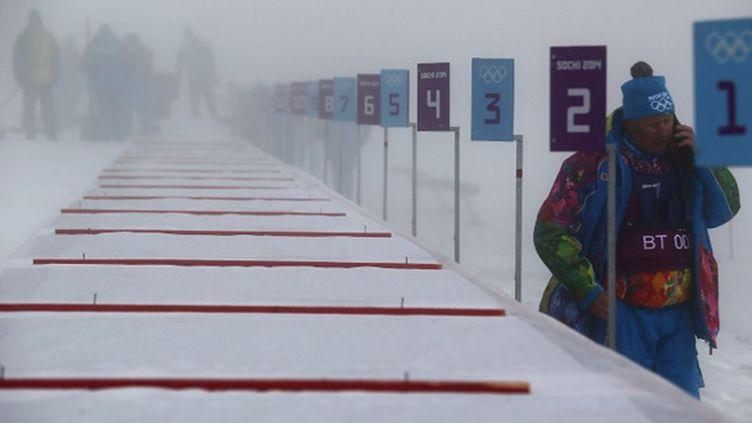 Compliqué de pratiquer le biathlon avec du brouillard... (MICHAEL KAPPELER / DPA)
