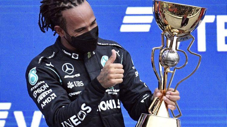 À Sotchi, Lewis Hamilton a remporté son 100e Grand Prix. (ALEXANDER NEMENOV / AFP)