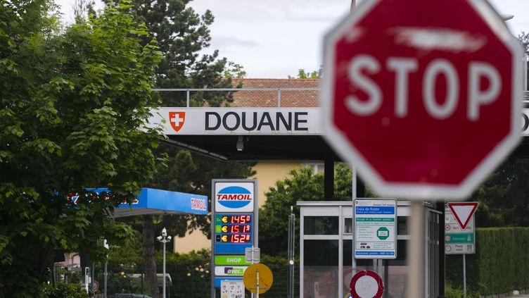 La frontière entre la Suisse et la FranceenHaute-Savoie, le 10 mai 2020 (photo d'illustration). (VINCENT ISORE / MAXPPP)