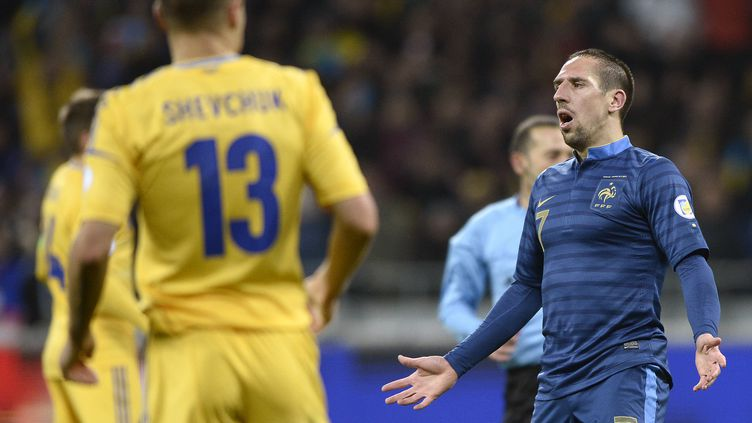 Le milieu offensif Franck Ribéry lors du match Ukraine-France, le 15 novembre 2013. (FRANCK FIFE / AFP)