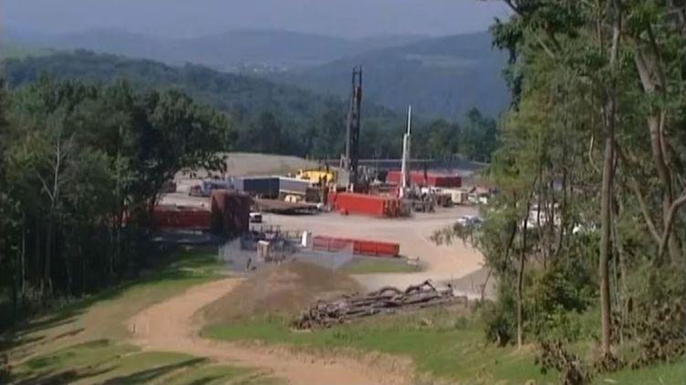 Capture d'écran d'un reportage sur un site d'exploitation du gaz de schiste, dans la région de Williamsport (Pennsylvanie). ( FRANCE 3)