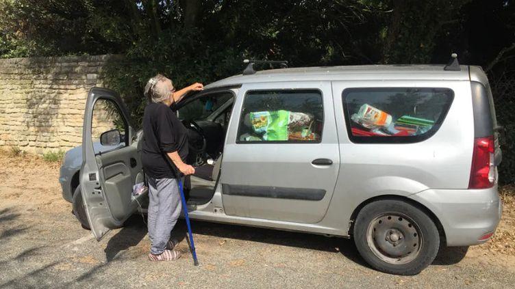Myriamdort dans sa voiture depuis le début du mois de juillet. (MARINE PROTAIS / FRANCE BLEU LA ROCHELLE)