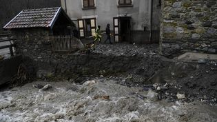 La maison dans laquelle une femme est morteà Crets-en-Belledonne (Isère), le 4 janvier 2018. (PHILIPPE DESMAZES / AFP)