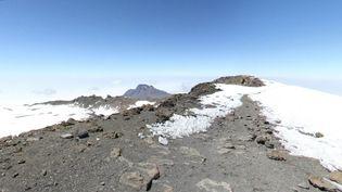 Capture d'écran de Google Street View montrant le pic Uhuru, point culminantdu Kilimandjaro, en Tanzanie. (GOOGLE STREETVIEW / FRANCETV INFO)
