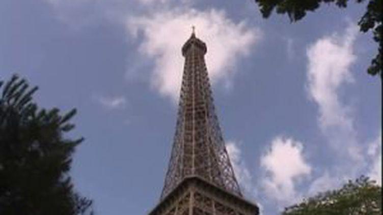 La Tour Eiffel où se trouve l'émetteur de télévision pour la région parisienne. (© France 3 PIC)