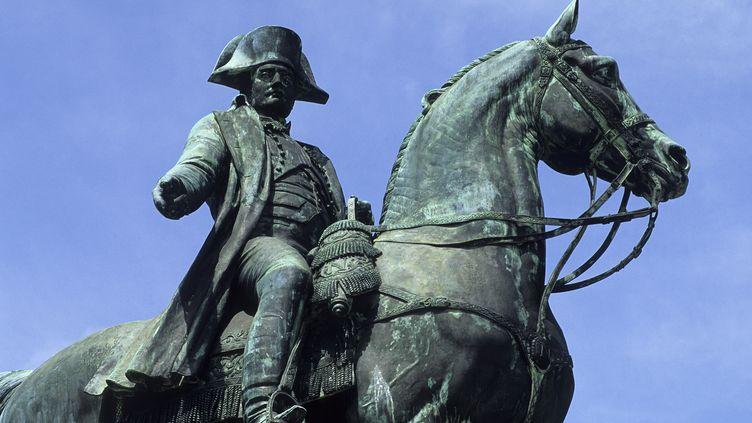 Une statue de Napoléon Ier à cheval à La Roche-sur-Yon (Vendée), ville fondée par l'empereur en 1804. (ANTOINE LORGNIER / ONLY FRANCE)
