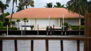 Une maison à Boca Raton en Floride où l'on se prépare à l'arrivée de l'ouragan Dorian, le 2 septembre 2019. (MICHELE EVE SANDBERG / AFP)