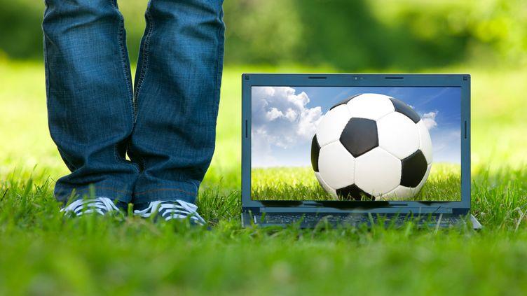 A en croire Ankamai, qui détient les serveurs d'importants médias anglophone, à chaque match de la Coupe du monde correspond un pic de trafic sur internet. (KERTLIS / E+ / GETTY)