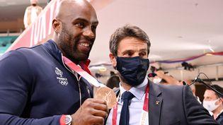 Le triple champion olympique de canoë slalom et président du comité d'organisation des Jeux de Paris 2024 salue la performance de Teddy Riner, qui a su arracher une médaille de bronze, sa quatrième olympique. (MILLEREAU PHILIPPE / KMSP via AFP)