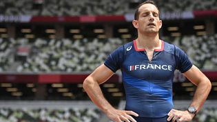 Renaud Lavillenie lors de l'épreuve de saut à la perche aux Jeux olympiques de Tokyo, le 31 juillet 2021. (BEN STANSALL / AFP)