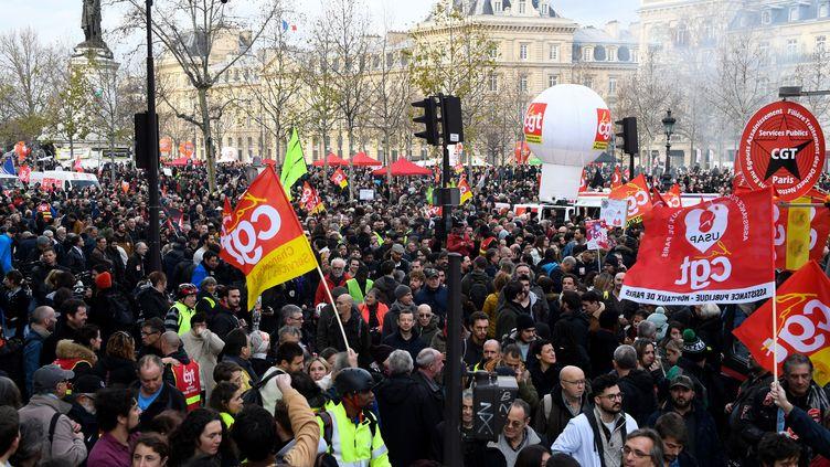 La manifestation du mardi 17 décembre 2019 sur la place de la République à Paris. Illustration. (BERTRAND GUAY / AFP)