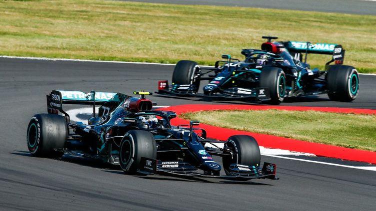 Valtteri Bottas et Lewis Hamilton lors du Grand Prix de Silverstone, le 9 août 2020. (XAVI BONILLA / XAVI BONILLA)