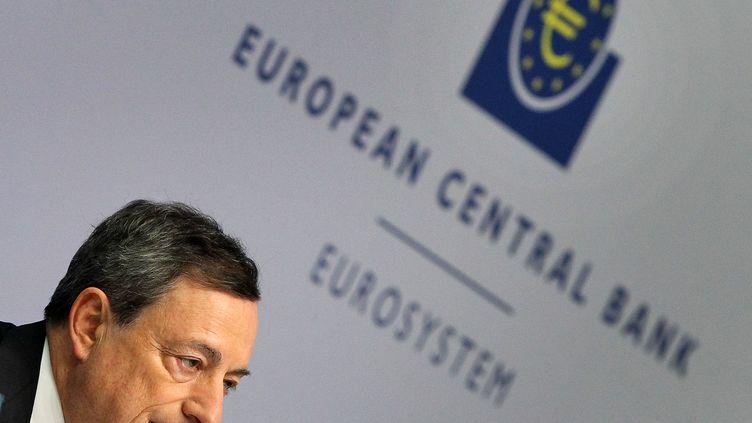 Mario Draghi, le président de la Banque centrale européenne, lors d'une conférence de presse à Francfort (Allemagne), le 21 janvier 2016. (DANIEL ROLAND / AFP)