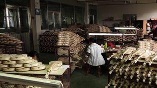 Direction la Chine, le numéro 1 mondial de la lutherie. Le pays concentre 70% de la production de violons. (CAPTURE ECRAN FRANCE 2)