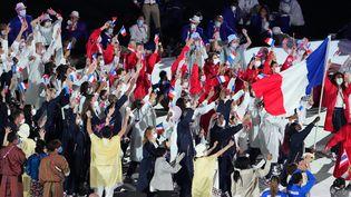 Les athlètes de la délégation française durant la cérémonie d'ouverture des Jeux olympiques de Tokyo, le vendredi 23 juillet 2021. (KAZUKI WAKASUGI / YOMIURI)