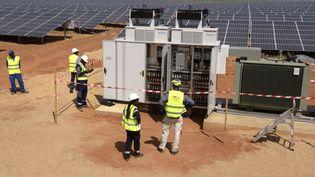 Inauguration d'une centrale photovoltaïque au Sénégal. Octobre 2016. (SEYLLOU / AFP)